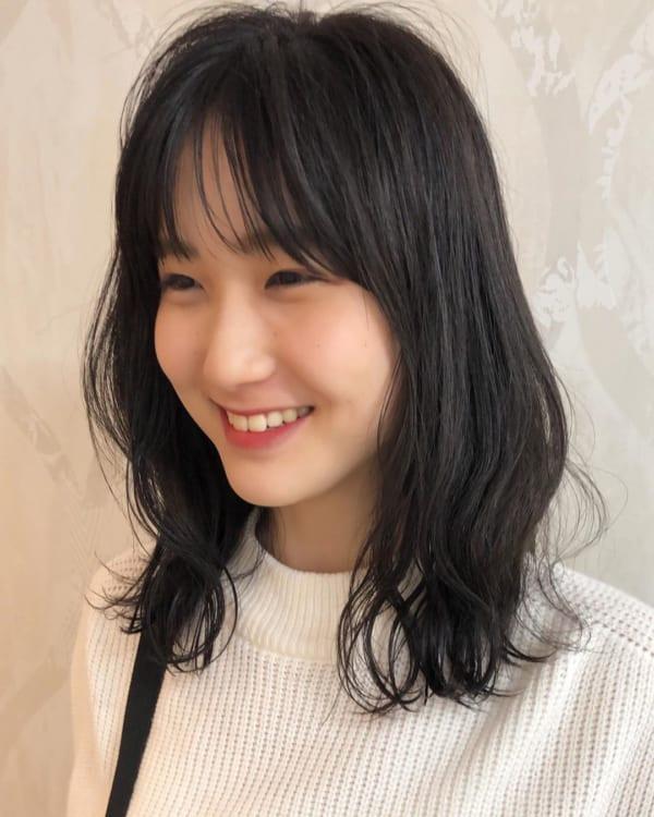 夏に人気の黒髪×ミディアムヘア3