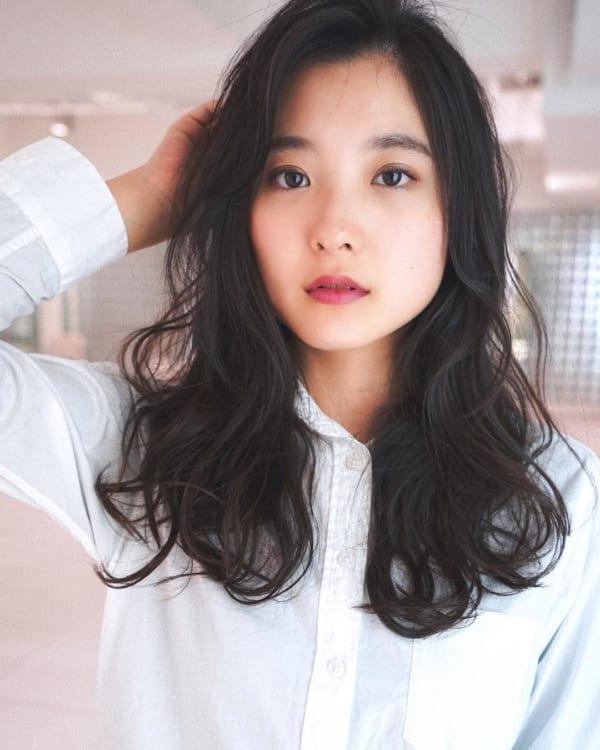 夏に人気の黒髪×ロングヘア5
