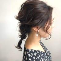 湿気で髪が広がりやすい女性必見!梅雨の時期におすすめの髪型を長さ別にご紹介♪