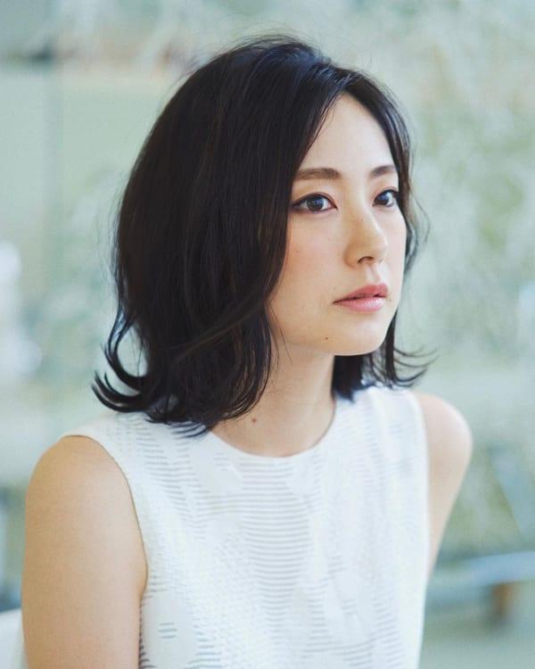 夏に人気の黒髪×ミディアムヘア5