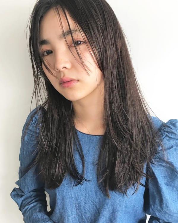 夏に人気の黒髪×ロングヘア4