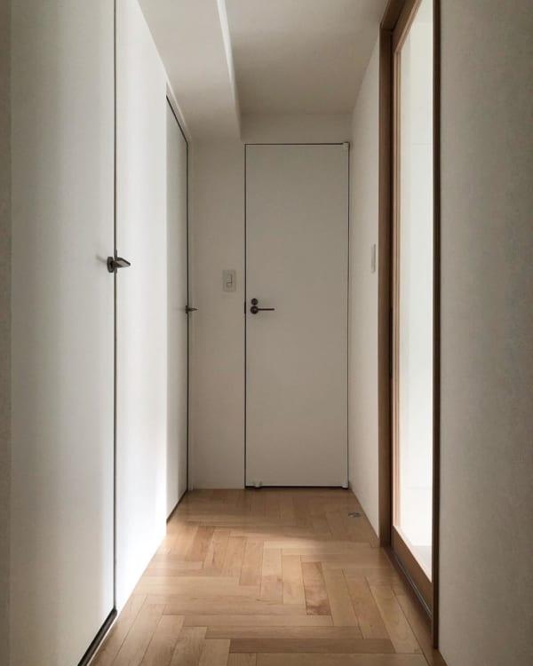 枠なしドアですっきりシンプルに