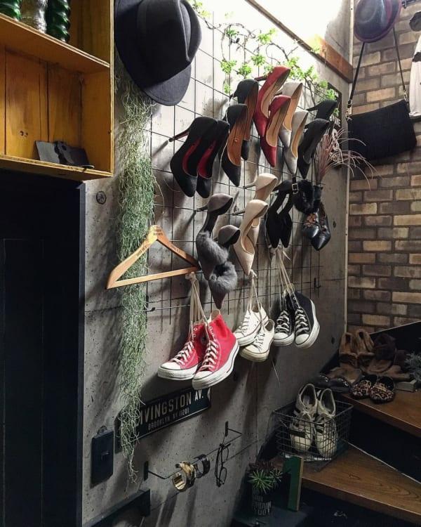 「ワイヤーメッシュ」でおしゃれに靴を収納