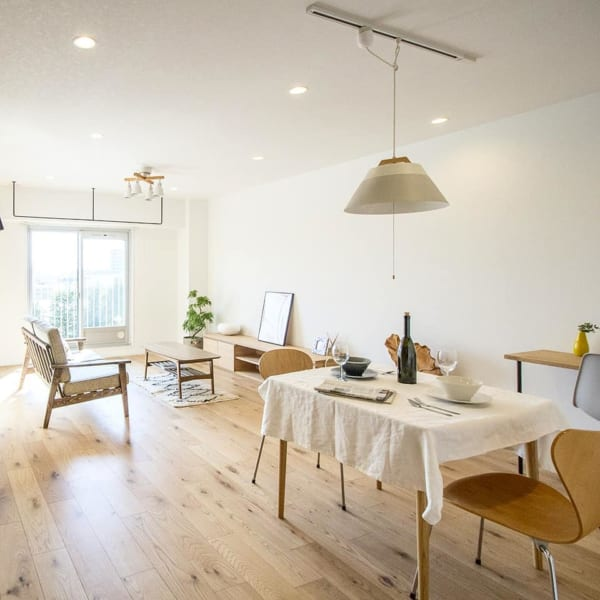 部屋が広く見える家具を選ぶ
