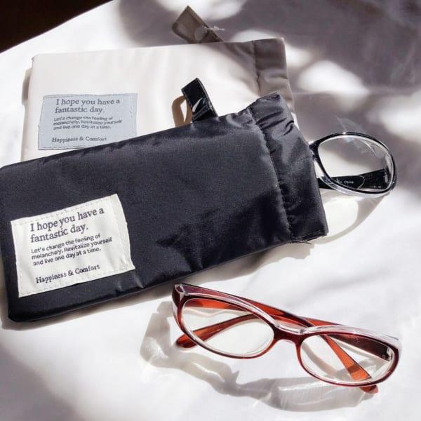 同じデザインで眼鏡ケースも