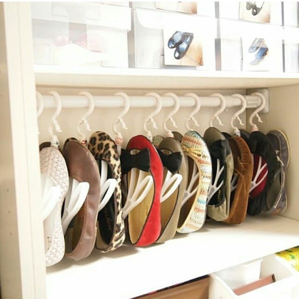 「シューズハンガー」で省スペースに靴を収納