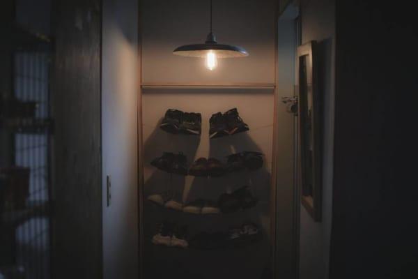 「ワイヤー」で棚風に靴を収納