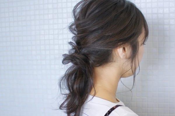 剛毛な女性におすすめのミディアムヘアアレンジ8