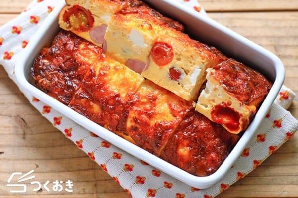 人気のおつまみ!トマトと玉ねぎのチーズオムレツ
