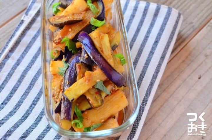 作り置きにおすすめ!茄子と長芋のピリ辛炒め