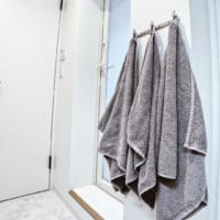 一時的に保管するタオルは【吊るす】が正解!便利なタオル収納アイデア