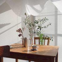 お気に入りだから長く使いたい。木目家具のお手入れやケア方法を解説