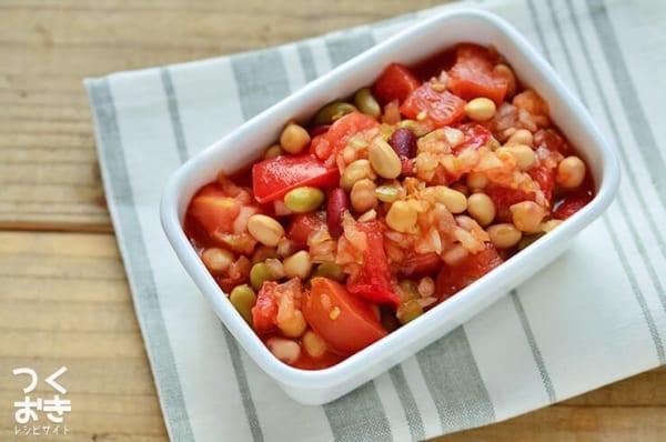 八宝菜の付け合わせに!トマトと豆のサルササラダ