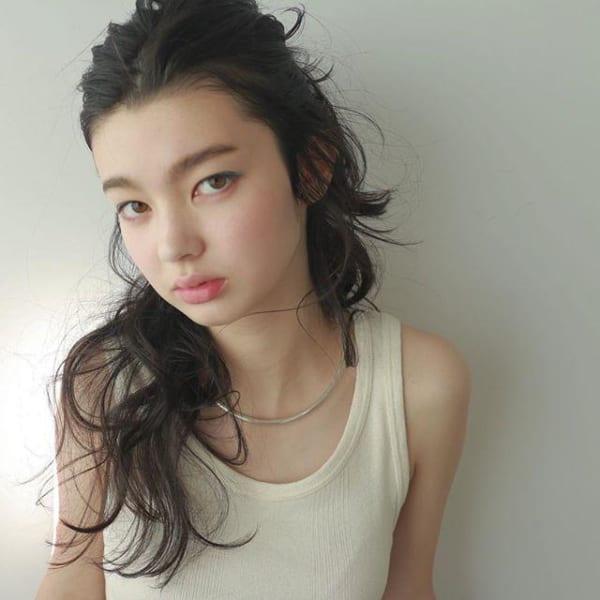 夏に人気の黒髪×ロングヘア6