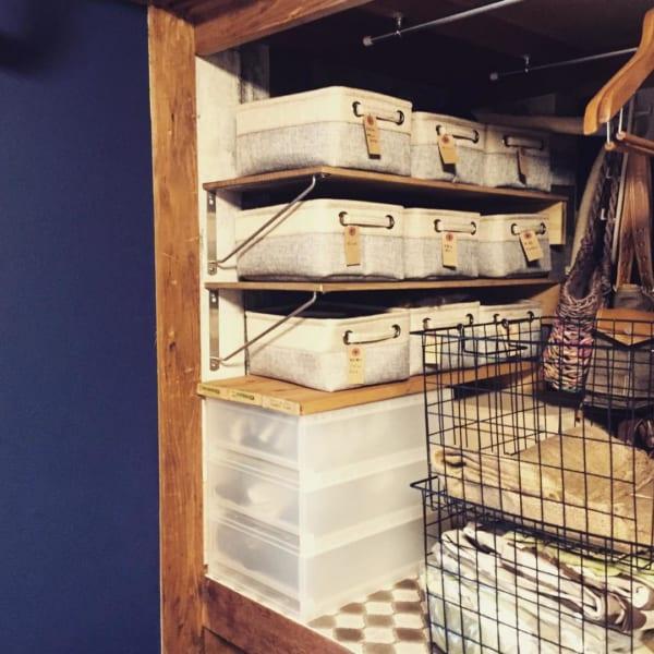 棚を使った押入れの収納アイデア3