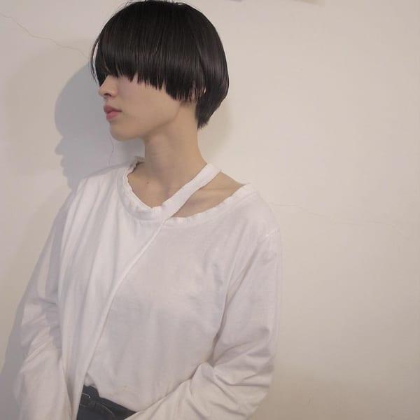 夏に人気の黒髪×ショートヘア4