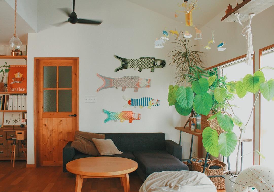 カラフルな鯉のぼりのウォールデコレーション