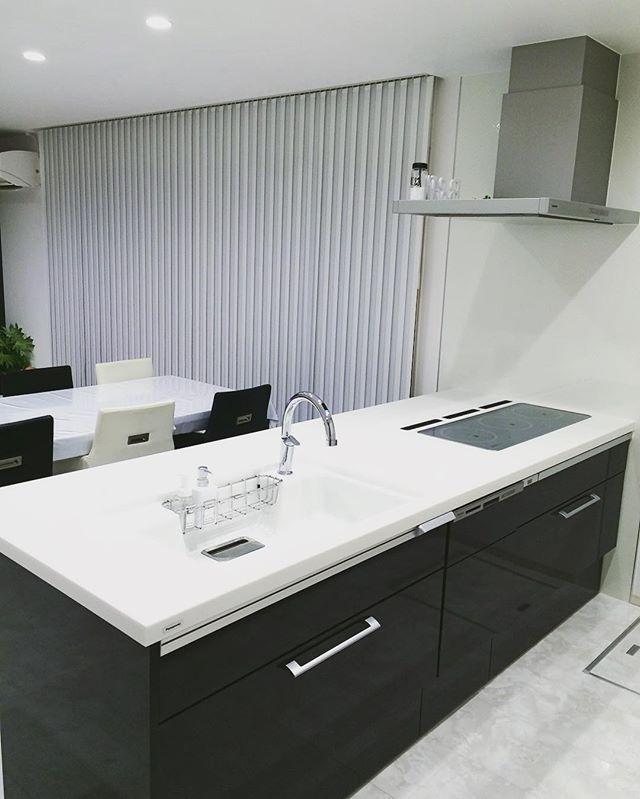 黒と白ですっきりキッチン