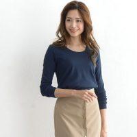 ネイビーTシャツコーデ【2020最新】上品にキマる大人女子の着こなしをご紹介