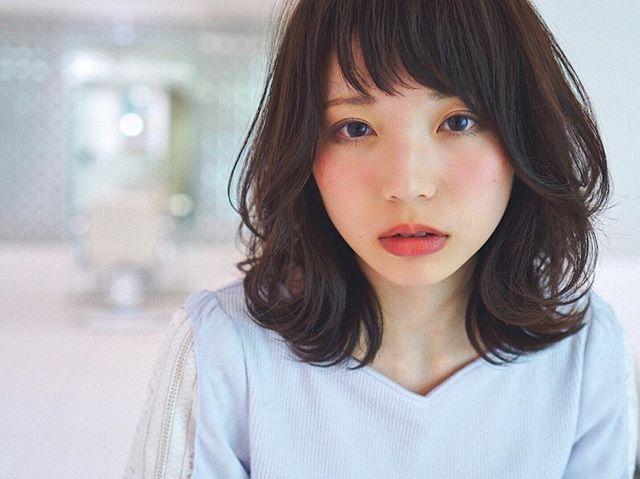 黒髪 ミディアム4