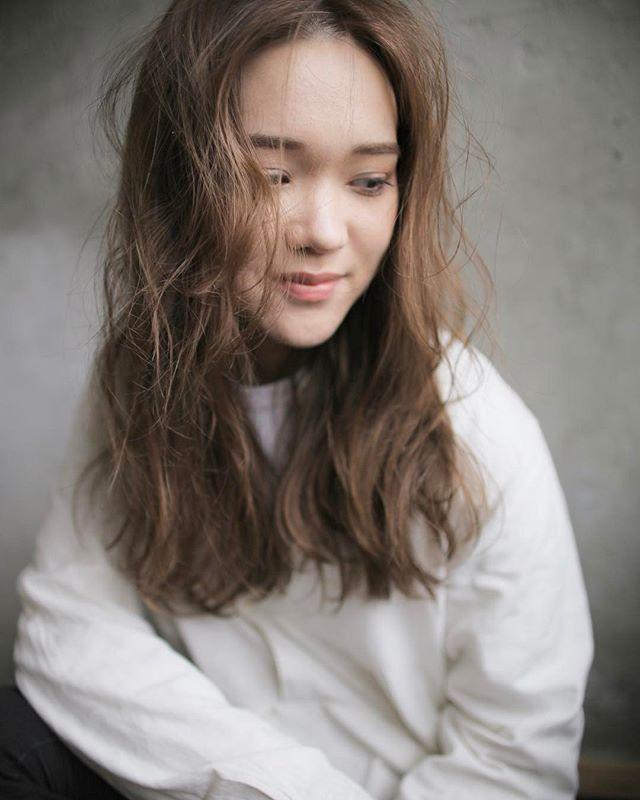 かきあげ前髪×アッシュベージュロング