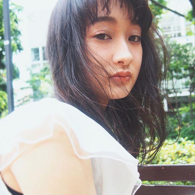 黒髪 ミディアム5