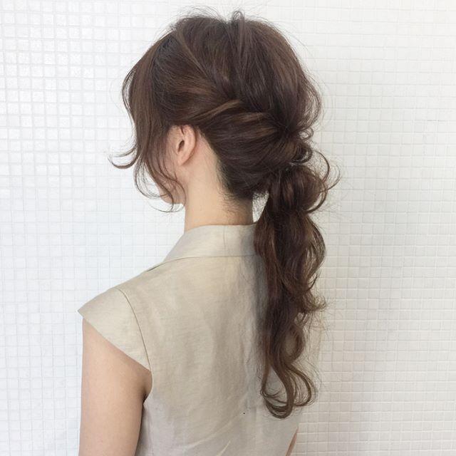 ロングの編み込み×ポニーテールヘアアレンジ3