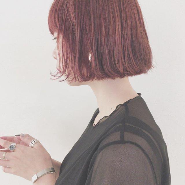 ボブスタイルに似合う夏のトレンドヘアカラー《ピンク》