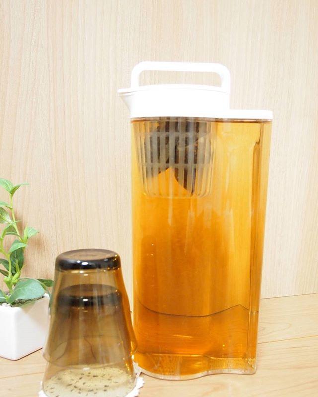 麦茶ポットの定番アクリル冷水筒