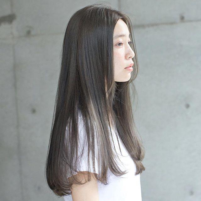 かきあげ前髪×シアーストレートロング