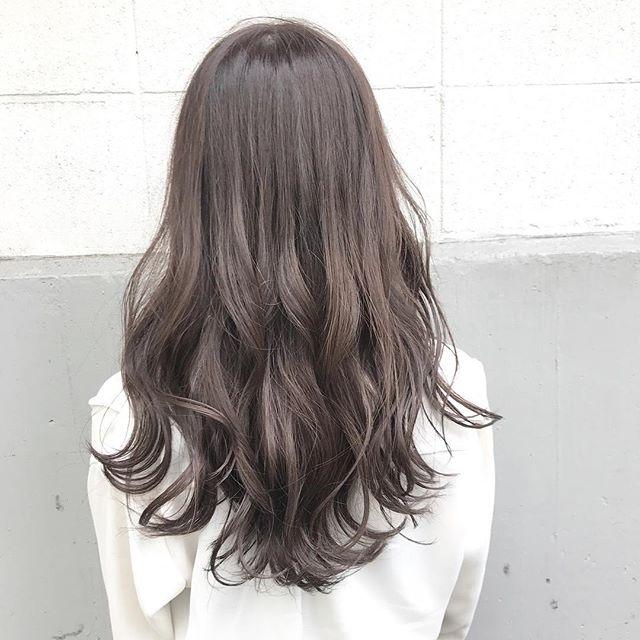 夏に取り入れたいヘアスタイル《セミロング・ロング編》4