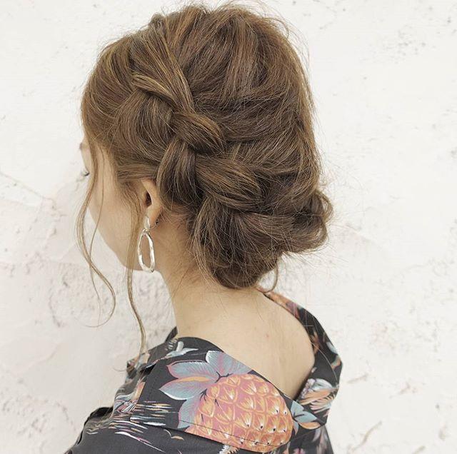 ロングの編み込み×オールアップヘアアレンジ3