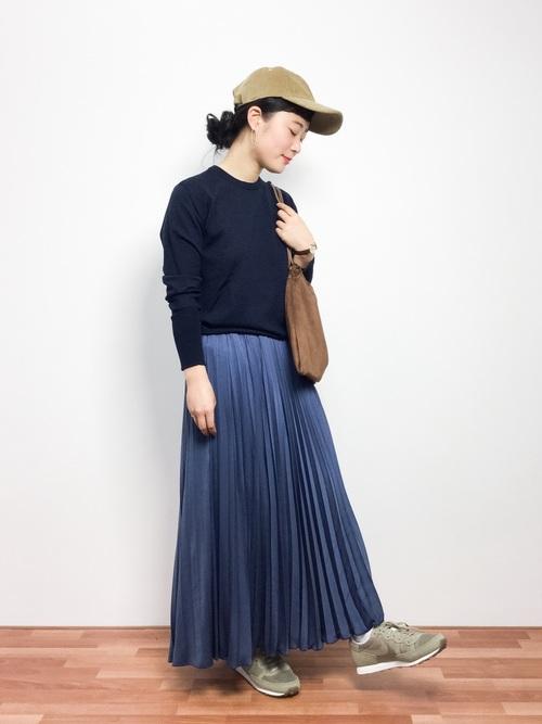 シンプルニット×レディースプリーツスカート
