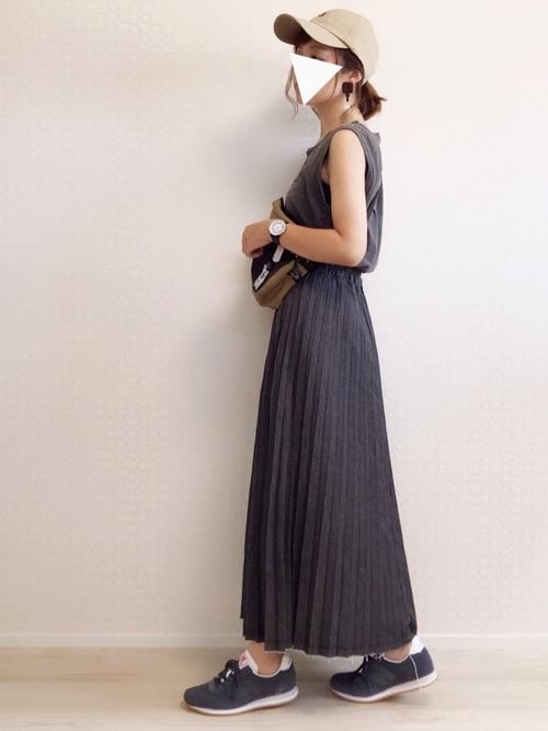 黒スカート コーデ4