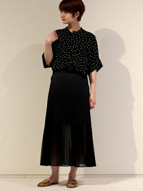 黒スカート コーデ