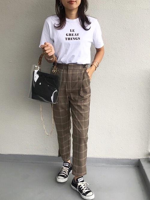 ロゴTシャツ×グルカチェックパンツ