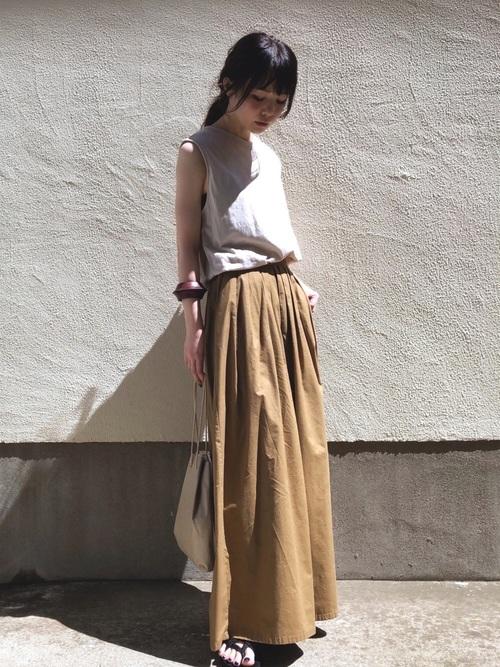 ユニクロノースリーブTシャツの夏コーデ
