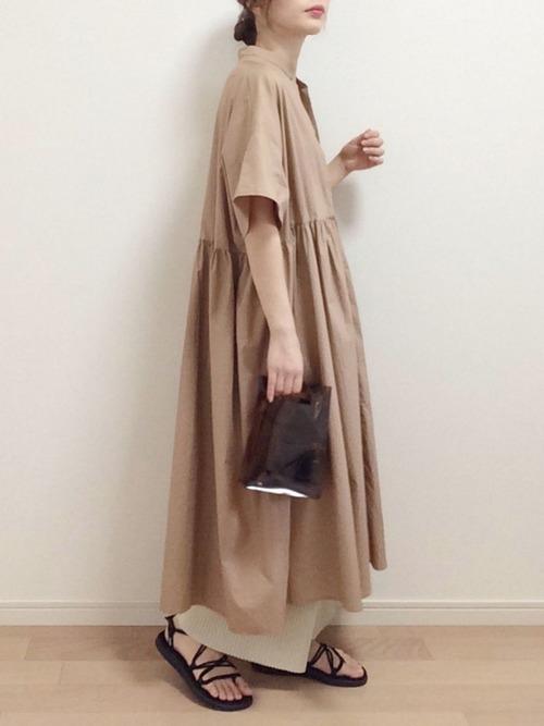 茶色半袖シャツワンピースの夏コーデ