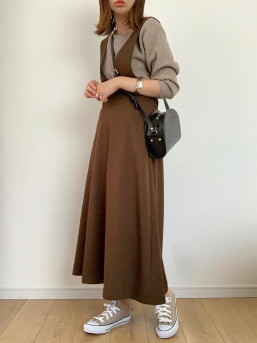 ユニクロTシャツ×ジャンパースカートコーデ