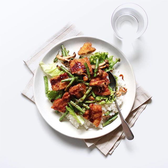 簡単な食べ方!豚バラトンカツの野菜丼