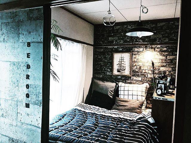 男前インテリアな寝室