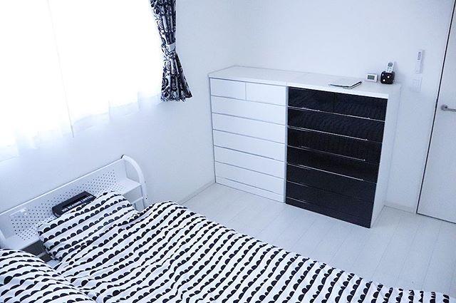 寝室に黒のアクセントコーディネート