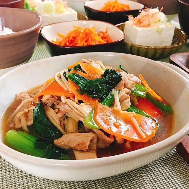 お粥に合う!小松菜と人参のオイスター炒め煮