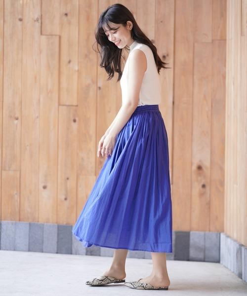 ノースリ×ロングスカートで軽やかな夏の服装