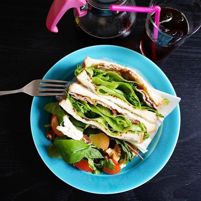 簡単な食べ方に!豚バラとレタスサンド