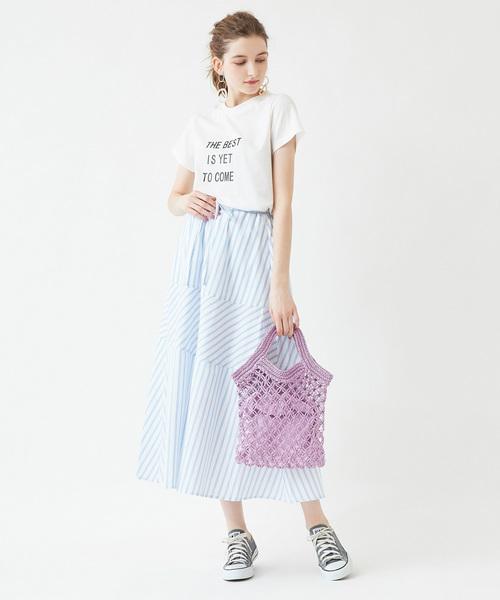 ストライプロングスカート×プリントTシャツ