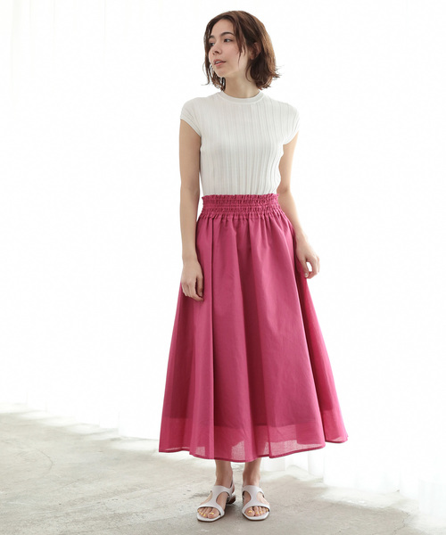 リブTシャツ×ギャザースカート