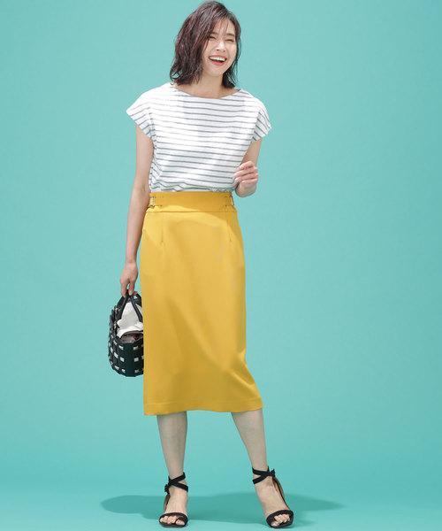 フレンチスリーブTシャツ×タイトスカート