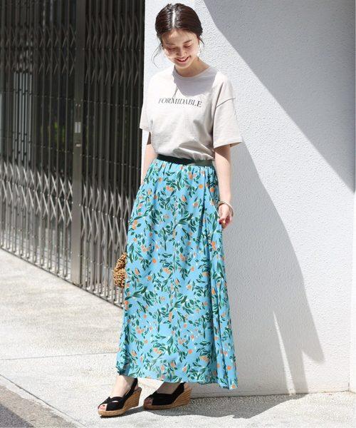 花柄スカート×ドロップショルダーTシャツ