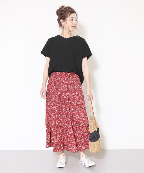 ワッフルカットソー×赤ロングスカート